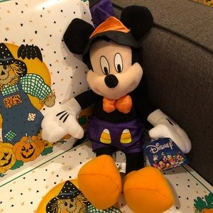 Disney, wizard Candy Corn Mickey Mouse